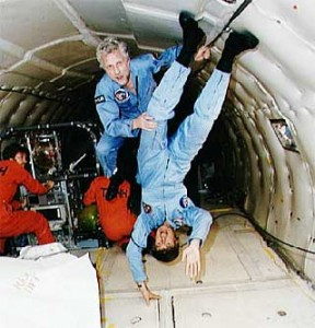 astronauts in space feel weightless because they - photo #4
