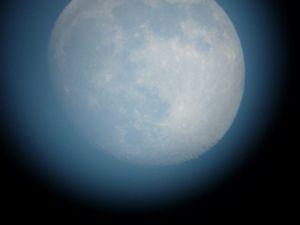 Daytime moon via Brian Pate
