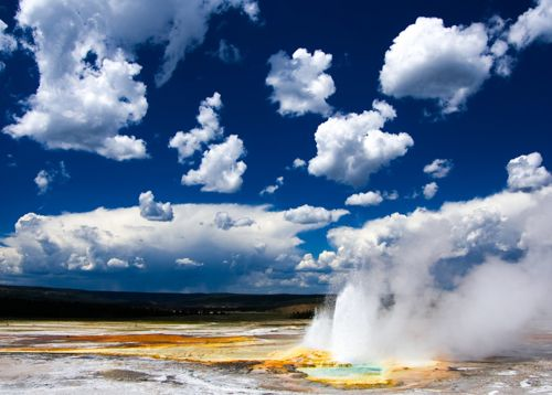 Clepsydra Geyser in Yellowstone National Park
