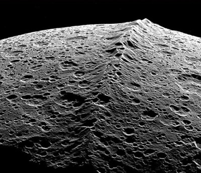 Mountains on Iapetus, Image Credit: NASA/JPL/Space Science Institute