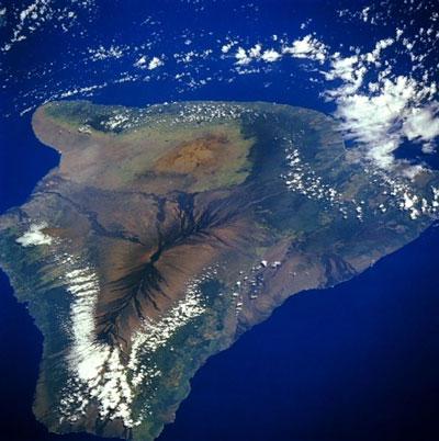 Satellite image of the Mauna Loa volcano on the island of Hawaii. Image Credit: NASA.