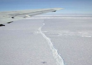 2011 crack in Pine Island Glacier, first seen from aircraft