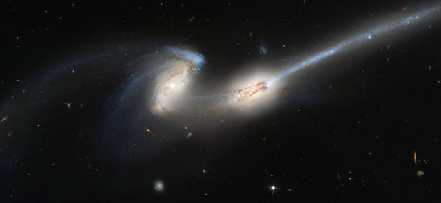 Colliding galaxies NGC 4676