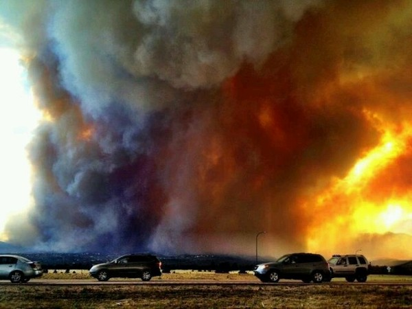Wildfire In Colorado Springs Now 45 Contained Earth