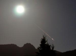 Meteor in moonlight via fraktus