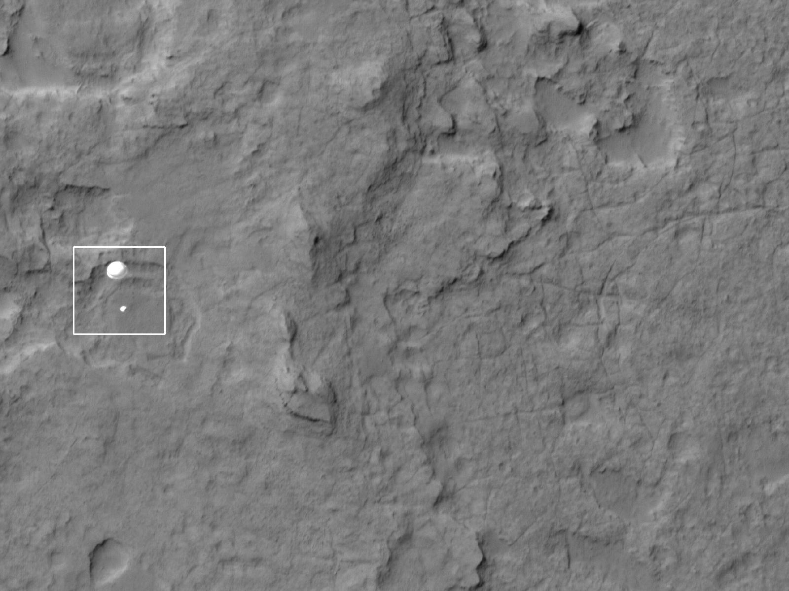 Curiosity rover spotted on descent to Mars | Space | EarthSky
