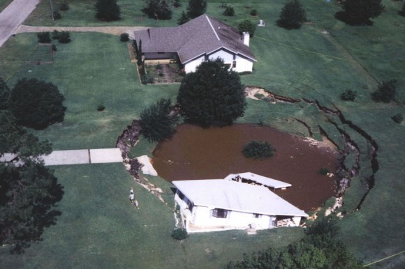 What causes sinkholes? Find out on EarthSky. | Earth ...
