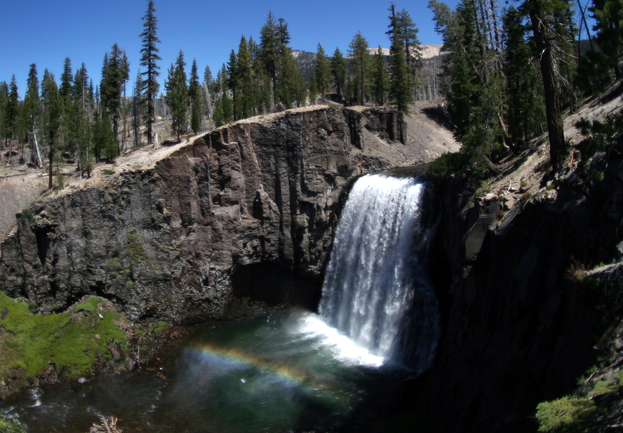 Rainbow fall at Devils Postpile National Monument. Credit: Wikimedia