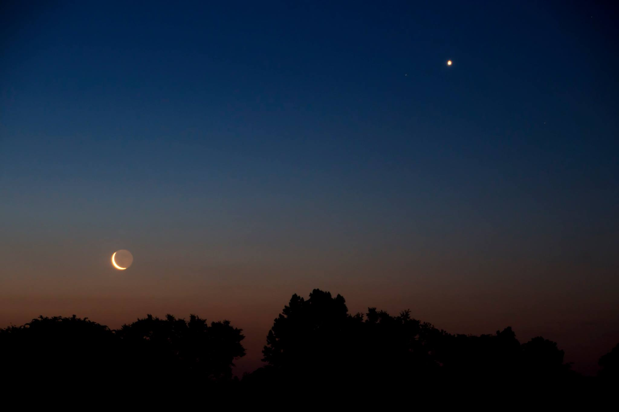 What is earthshine? | Moon Phases | EarthSky