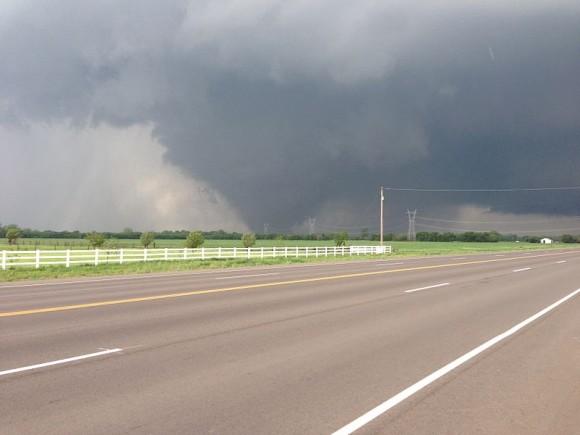 The May 20, 2013 tornado as it passed south of Oklahoma City. Photo by Ks0stm via Wikimedia Commons.