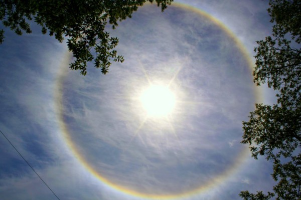 Solar halo seen May 14, 2013 in Monmouth, NJ, as captured by EarthSky Facebook friend Stacey Baker-Bruno.  Thank you, Stacey!  See more photos of May 14, 2013 photo here.