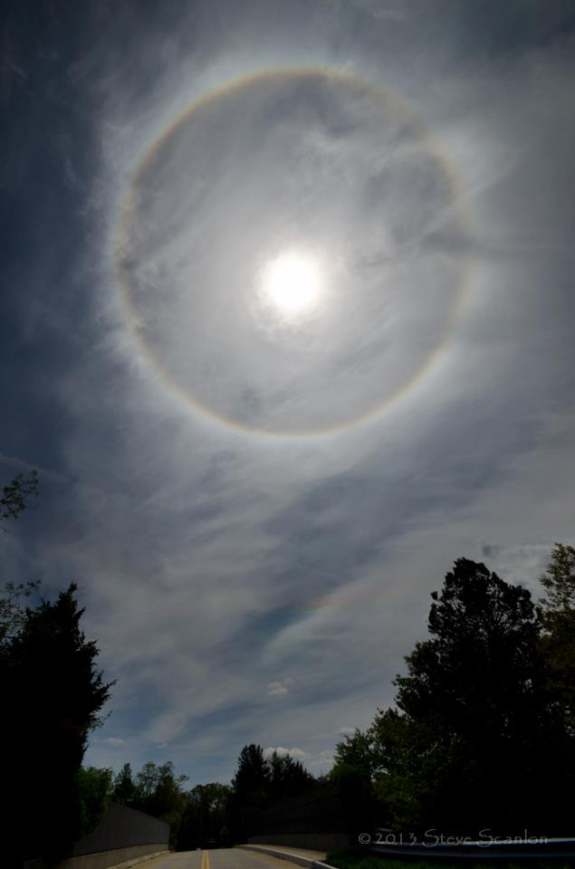 View larger. | Another beautiful shot of yesterday's solar halo, also over New Jersey, from our friend Steve Scanlon Photography. Thank you, Steve. See Steve's work on Facebook.