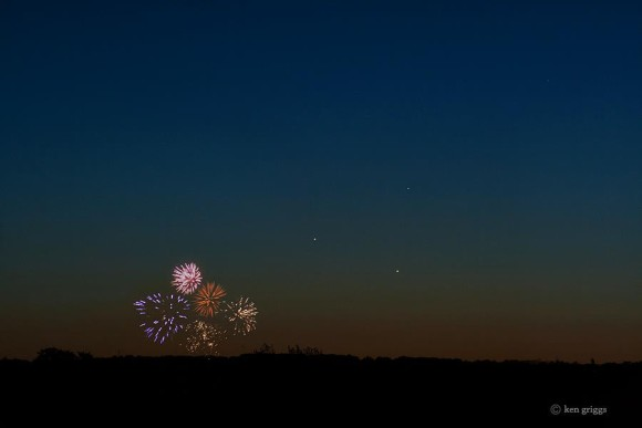 In Lehigh Valley, Pennsylvania, they know how to celebrate planets.  Well, okay, it's Memorial Day, too.  This shot is from last night - May 26, 2013 - from EarthSky Facebook friend Ken Griggs.