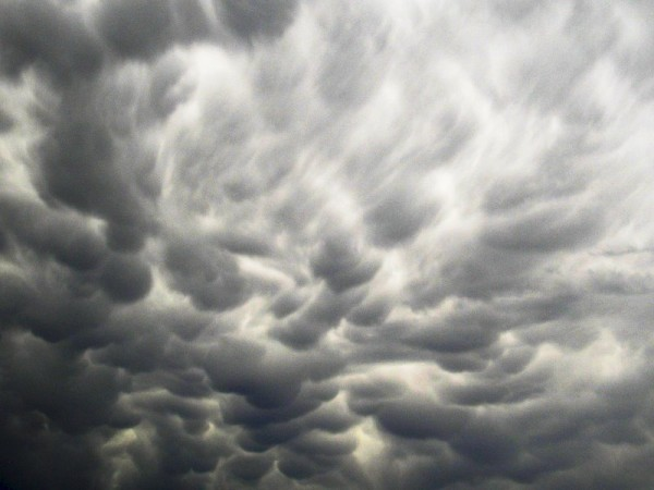 Mammatus clouds over Denver by EarthSky blogger Larry Sessions.  June 15, 2012.