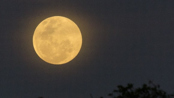 Supermoon in Fortaleza, Brazil on May 24, from our friend Shivan Bruce Skipper.
