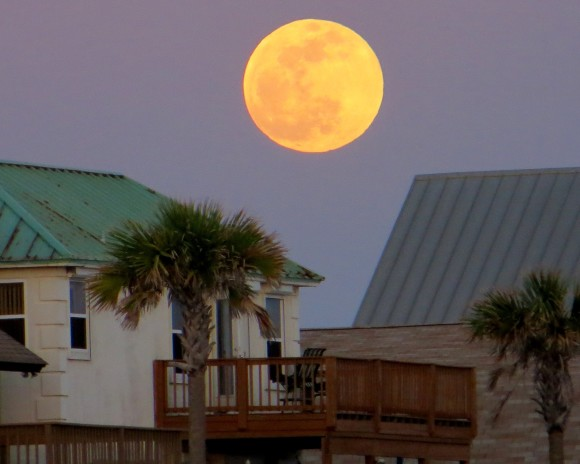 Supermoon from Cathy Emmett Palmer in Panama City Beach, Florida.  May 24, 2013.