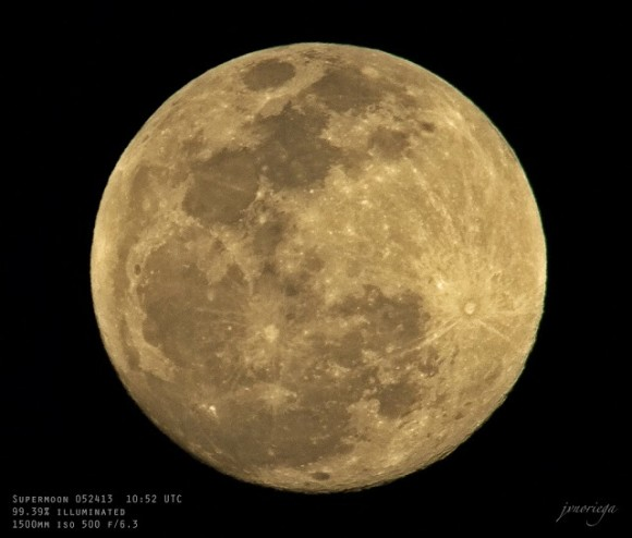 Supermoon from the Philippines. Photo credit: jv noriega