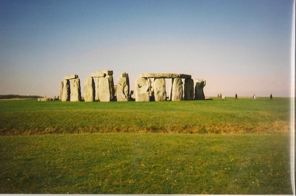 EarthSky Facebook friend Buddy Puckhaber of South Carolina took this photo of Stonehenge in the early morning, while visiting.  He said,