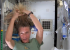 Nyberg-washing-hair-in-space