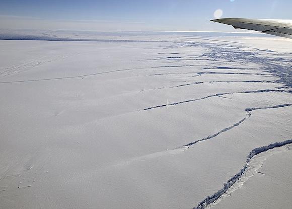 crack-in-pine-island-glacier