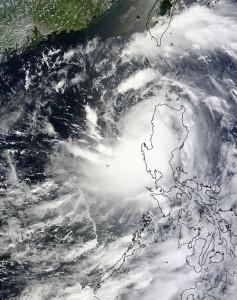 Typhoon-Utor-leaving-Philippines