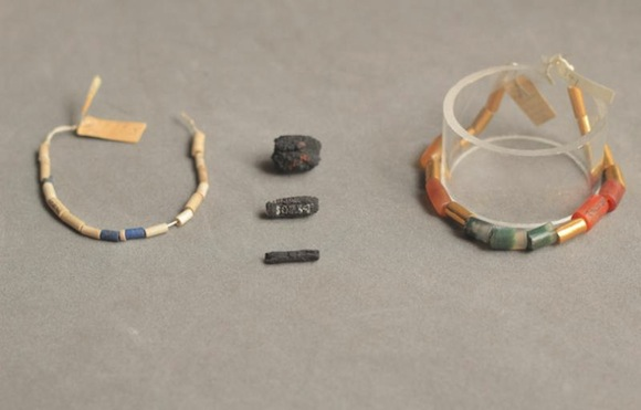 ancient-egyptian-iron-beads