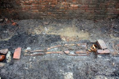 Remains of a 10- to 13-year-old child from a medieval cemetery in Ribe, Denmark, dating back to about 1200-1250. Image Credit: Sydvestjyske Museer.