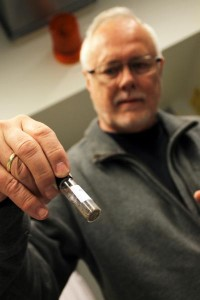 Pofessor Kaare Lund Rasmussen, University of Southern Denmark, holds the soil sample from which the mercury traces was retrieved. Image credit: Credit: Birgitte Svennevig/SDU.