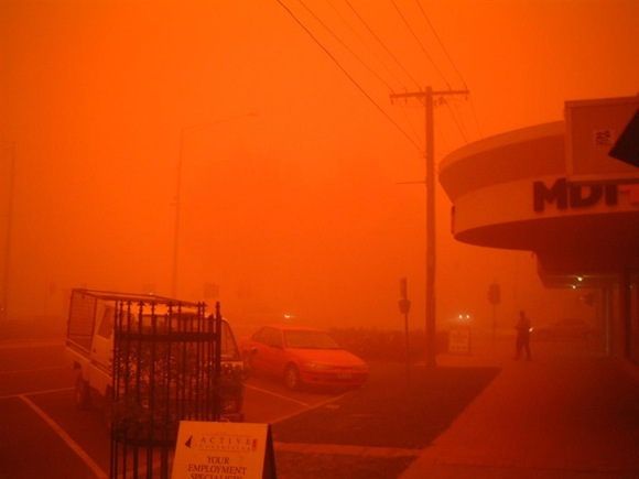 red-sky-dust-storm
