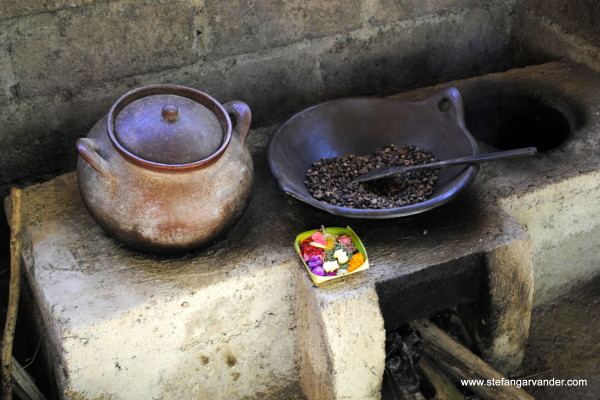 Kopi luwak beans being roasted at a small farm in Java, Indonesia. The photographer commented that it had a nice smooth taste. Image credit: Stefan Garvander via flickr.com.