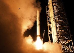 frog-LADEE-launch-9-6-2013-FI