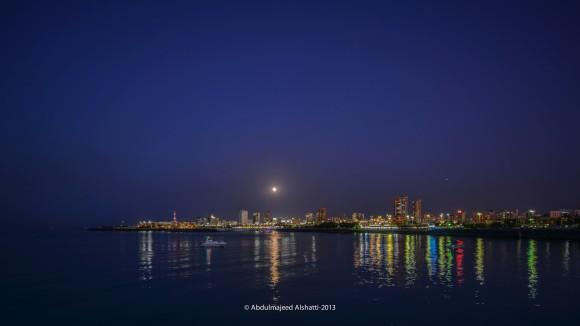 Harvest Moon on September 19, 2013 over Kuwait, via EarthSky Facebookfriend Abdulmajeed Alshatti. Thank you!