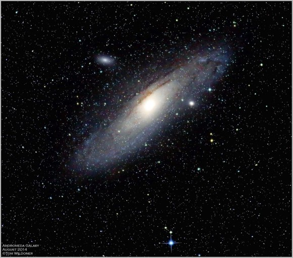 Another Earthsky friend on Facebook and G+, Thomas Wildoner, caught the Andromeda galaxy in August 2014.