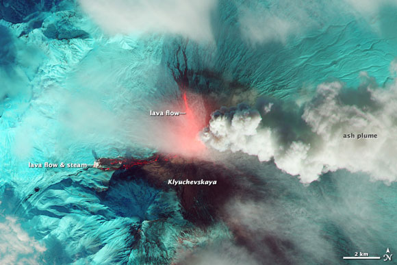 klyuchevskaya-lava-nasa-580
