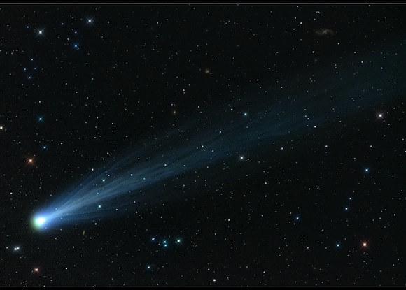See full size | Comet ISON, imaged by longtime amateur astrophotograper Damian Peach in the U.K. He used a 4-inch f/5 telescope for 12 minutes of combined exposures on November 15th. Credit: Damian Peach / SkyandTelescope.com