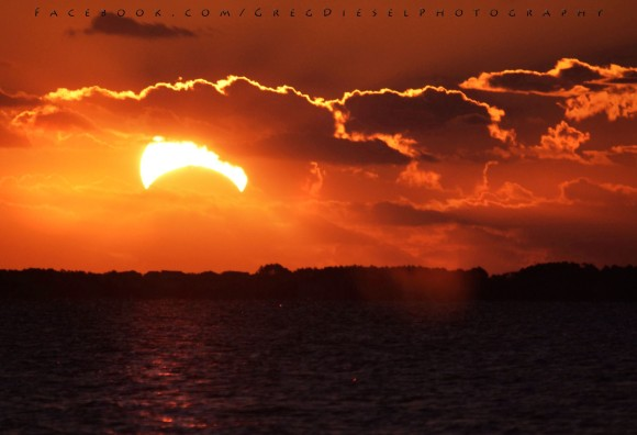 GregDiesel Landscape Photography  captured this beautiful shot of the November 3, 2013 eclipse at sunrise in North Carolina.  Thank you, GregDiesel!  Visit GregDiesel's Online Gallery here.