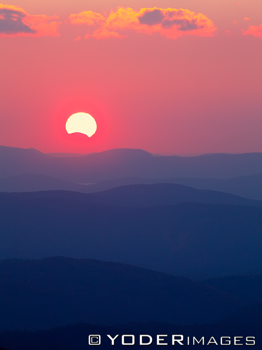 http://en.es-static.us/upl/2013/11/eclipse-solar-11-3-2013-Yoder-Images-Blue-RidgeParkway_Blowing-Rock-NC.png
