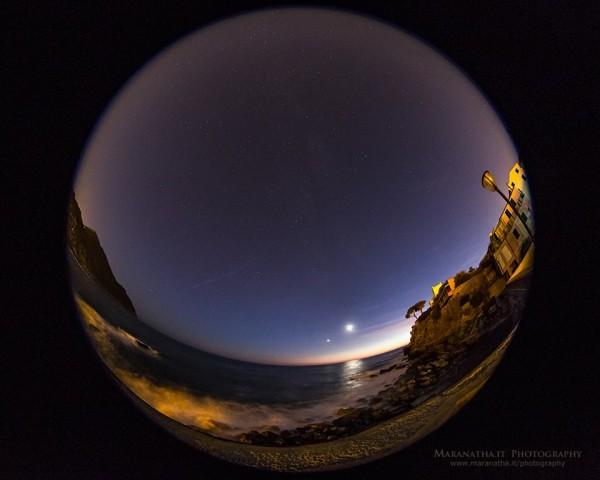 Interesting view of last night's moon and Venus - November 6, 2013 - over the Ligurian Sea, Sestri Levante, in Genoa, Italy. Photo by Maranatha.it Photography. View from Maranatha.it Photography here.