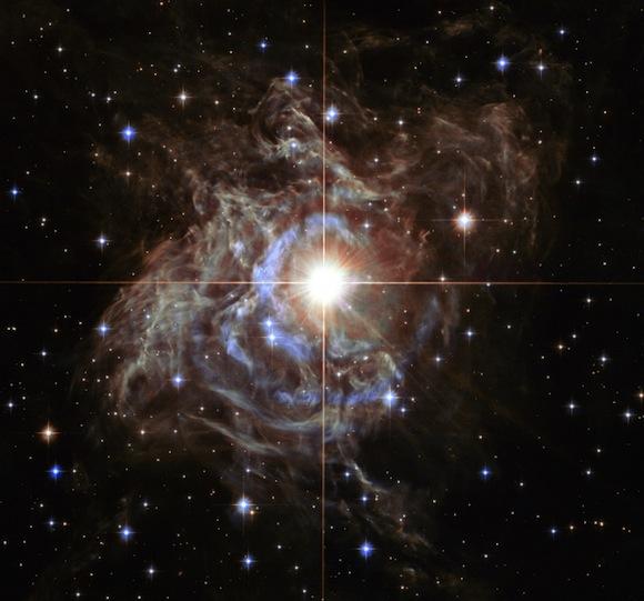 Super star creates holiday light show