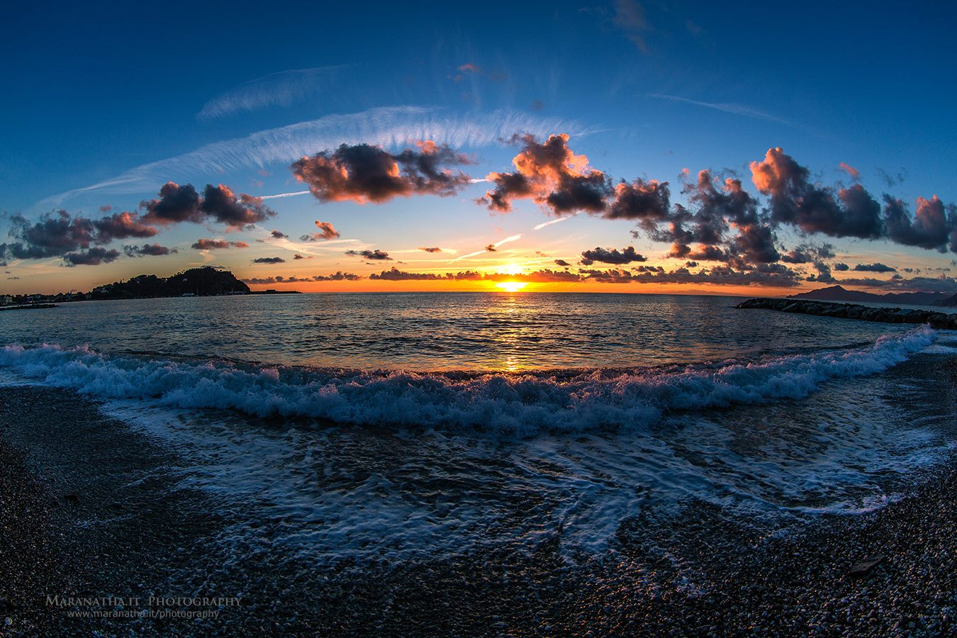 Sunset over the Ligurian Sea, at the town of Sestri Levante, near Genoa, Italy on January 14, 2014 16:59 By Maranatha.it Photography.