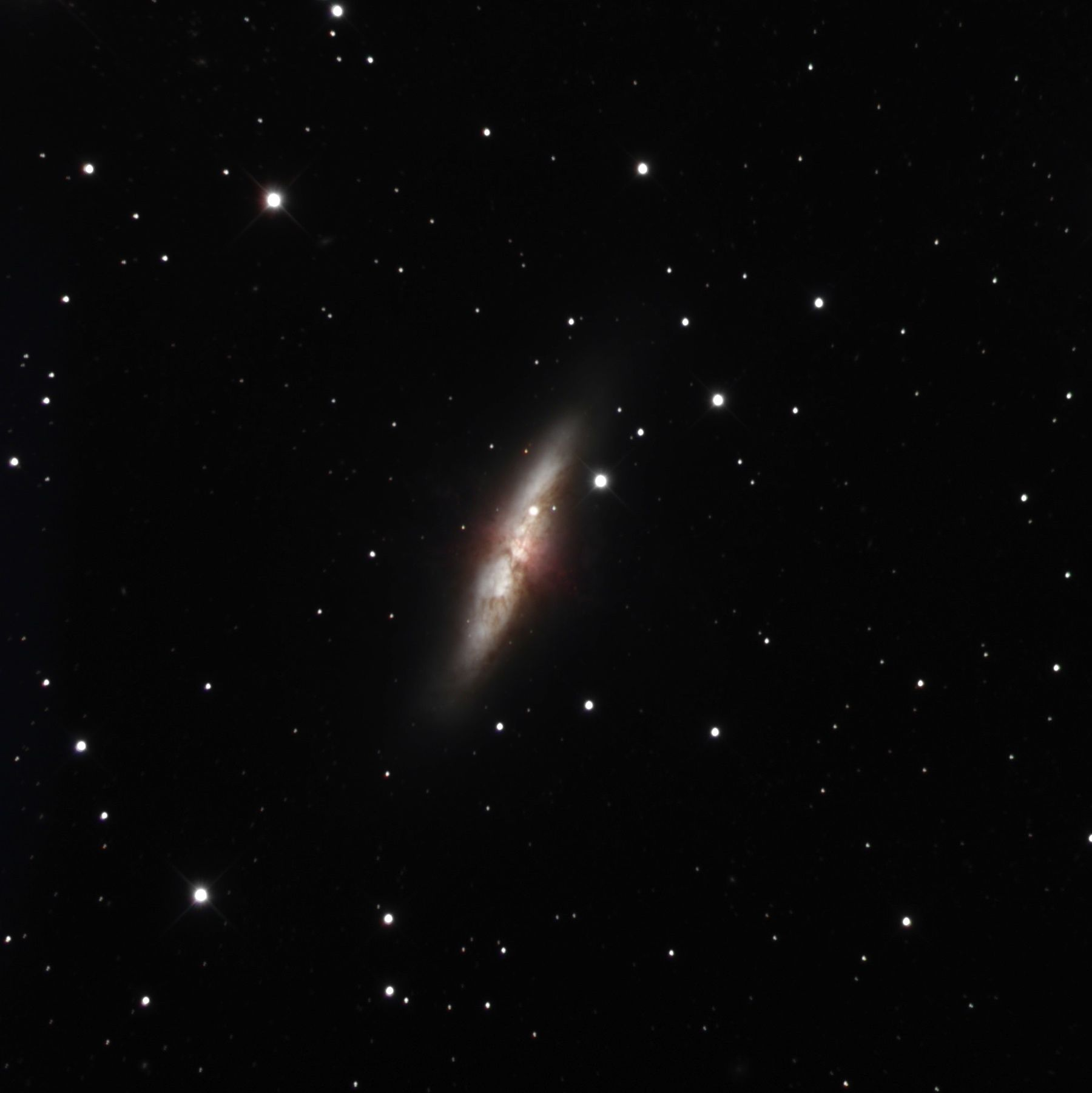 Images of closest supernova in years, in galaxy M82