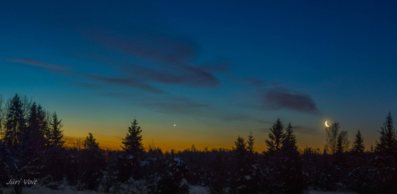 Photo of the waning crescent moon and the planet Venus taken at dawn on January 28 by Jüri Voit of Estonia. Thank you Jüri! THe waning moon will be thinner and lower in the sky before sunrise on Wednesday, January 29. View larger