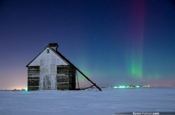 EarthSky Facebook friend Kevin Palmer Photography captured this wonderful shot of the aurora borealis, or northern lights, around 2:30 a.m. on the morning of February 19, 2014.  Visit Kevin Palmer Photography on Facebook.