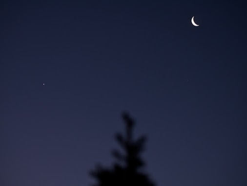 EarthSky friend on G+ Michael Rael in the San Luis Valley of southern Colorado captured the moon and Venus on February 25.  Thank you, Michael.