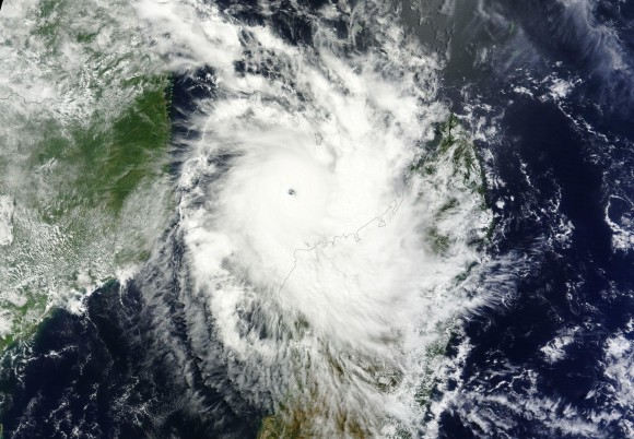 Cyclone Hellen as an intense Category 4 storm off the coast of Madagascar on March 29, 2014. Image Credit: NASA