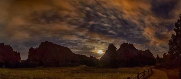 Joe Randall: Full Crow Moon. Garden of the Gods, Colorado