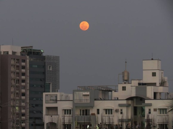 Kausor Khan: Blood moon rising in Hyderabad 1900 IST.