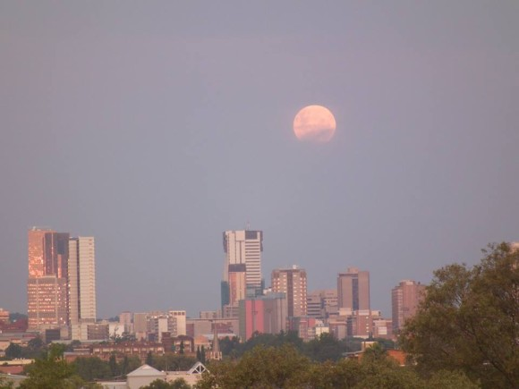 Christo Meintjes: The moon today after sunset over Pretoria City,South Africa.