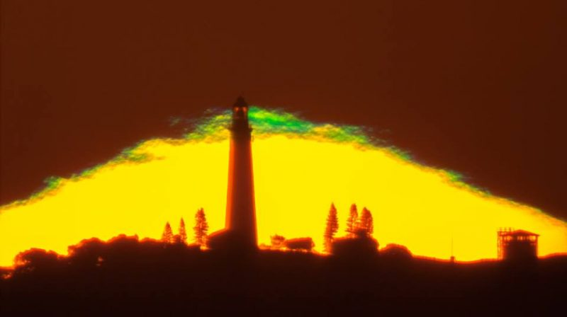Green flash atop sun pyramid via Colin Legg
