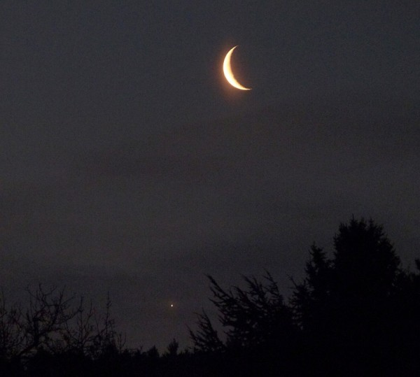 Dan Fischer caught the moon and Venus on March 27 from Konigwinter, Germany.